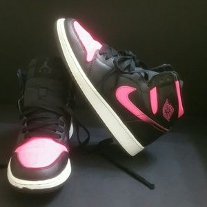 AIR JORDAN RETRO 1 YOUTH/WOMEN SHOES